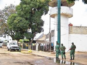Imputan delitos ambientales a nueve mineros detenidos