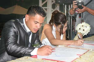 Chacao celebró el Día de los Enamorados con pachanga y boda colectiva