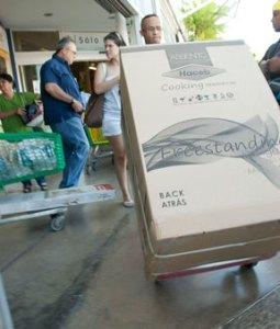 Insulares apresuran compras por devaluación