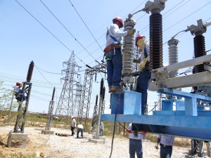 Gobierno venezolano crea empresa en sector eléctrico con participación española