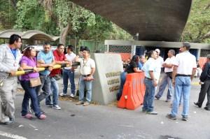 Trabajadores de la UCV protestaron para exigir aumento de sueldo (Fotos)