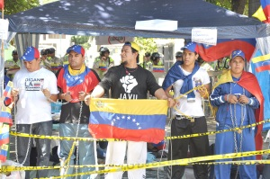 Estudiantes insisten en que se declare falta absoluta si Chávez no puede gobernar (Video)
