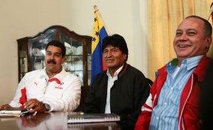 Evo Morales se habría reunido con Chávez… o no