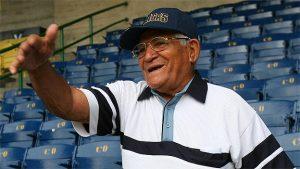 Pompeyo Davalillo fue despedido como un grande en el diamante de la UCV (Fotos)