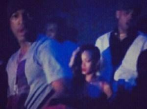 Chris y Rihanna salen a rumbear y OH-OH!  se encuentran con la ex de Chris