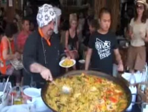 Bangkok se rinde a la paella española (Video)