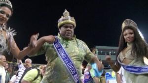 """El rey Momo que quiere """"reinar"""" hasta 2016 (Video)"""