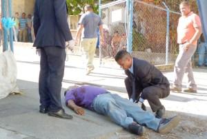 "Lo mataron para ""tumbarle"" 100 mil bolívares"
