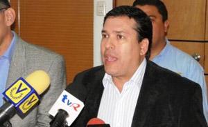 Abelardo Díaz: Ministro Villegas bufonea al país con informes refritos y chucutos
