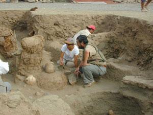 Descubren templo y fogón de  cinco mil años en Lima