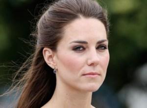 Palacio real rechaza publicación de fotos en bikini de Kate
