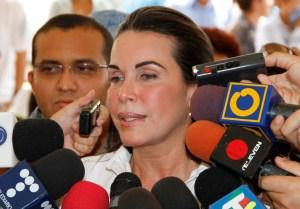 Eveling de Rosales anuncia censo de  estudiantes para  becas JEL Maracaibo