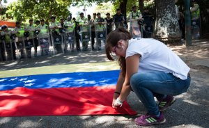 "Gobierno venezolano vigilante ante ""tarantín golpista"" frente a embajada Cuba"
