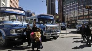 Huelga parcial del transporte urbano en Bolivia