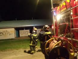 Vándalos destrozan y queman una escuela en el estado Miranda
