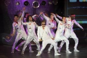 Justin Bieber enfurece a sus fans por retraso en concierto de Londres