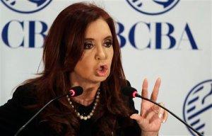 Kirchner y Mujica se reencuentran en aeropuerto de Buenos Aires tras incidente