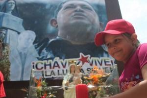 Embalsamar a Chávez con la esperanza de perpetuar el culto a su figura
