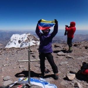 La venezolana Kerling Figueroa alcanzó la cumbre del Aconcagua en Argentina