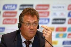 La FIFA se dice preocupada con el plazo para probar los estadios concluidos