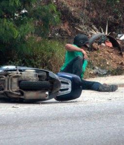 Terrible accidente en moto de alta cilindrada dejó un fallecido en Naguanagua (Fotos)
