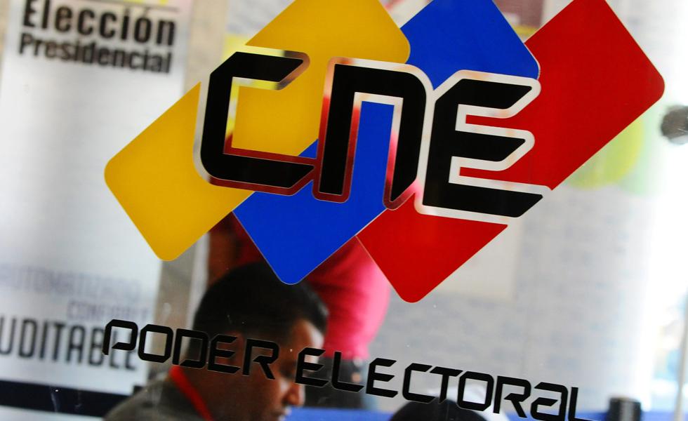 A rectora del CNE Socorro Hernández le parece normal que aparezcan fallecidos votando
