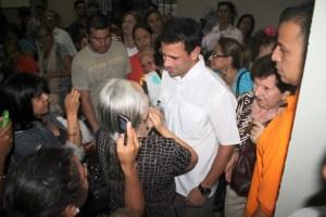 Capriles recorrió los siete templos este jueves Santo (FOTOS)