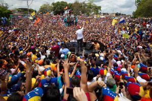 Capriles: Acá no están gobernando, sino que están destruyendo a Venezuela