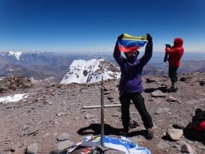 La venezolana Kerling Figueroa a más de seis mil metros (Fotos)