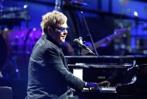 Elton John ofreció una clase magistral en el Festival de Viña del Mar (Fotos)