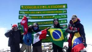 Venezuela presente en la mayor expedición realizada a la montaña más alta de África (fotos y video)
