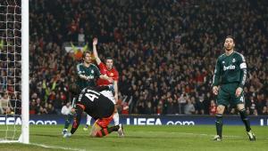 Real madrid gana 2-1 al Manchester United y clasifica a cuartos de Champions