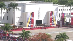 Un largo adiós a Chávez (Video)