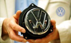 Volkswagen llama a revisión a más de 380 mil vehículos en China