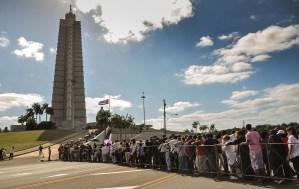 Cuba despide a Chávez con 21 salvas de artillería y ceremonia militar