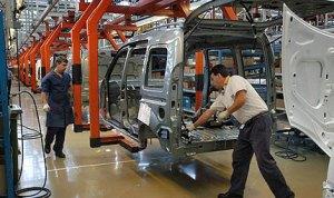 Falta de divisas tiene frenada la industria automotriz