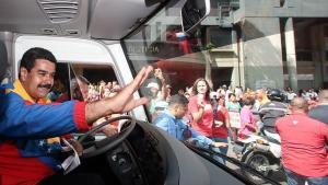 ABC: Cuba envía más de 2 mil agentes para apuntalar a Maduro en el poder