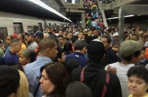 Normalizado el servicio en el Metro de Caracas (Fotos)