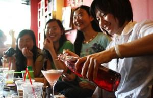 """Solteras chinas, bajo la presión ser calificadas """"mujeres sobrantes"""""""