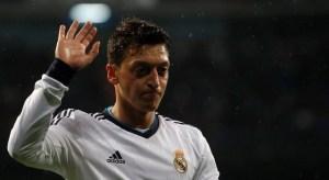 Özil: Si ganamos en Barcelona, podemos ganar en Manchester