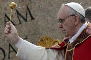 El papa reza por las víctimas del terremoto de Irán y Pakistán