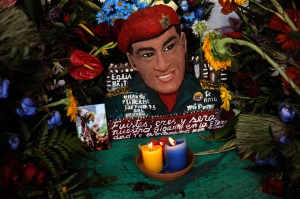 """¿Herejía? Una capilla al """"Santo Hugo Chávez"""" en el 23 (Fotos)"""