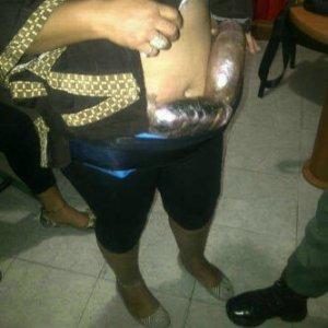 Detienen a mujeres que transportaban droga sostenida con una faja (FOTO)