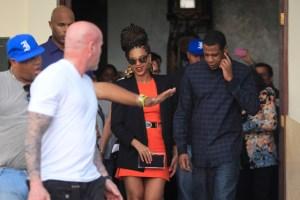 Pitbull entra a ritmo de rap en polémica por viaje de Jay-Z y Beyoncé a Cuba