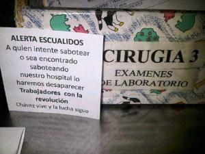 Panfletos fascistas amenazan a médicos del Universitario (Foto)