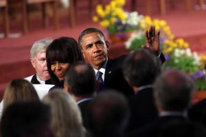Barack y Michelle Obama visitan a los heridos de atentado de Boston