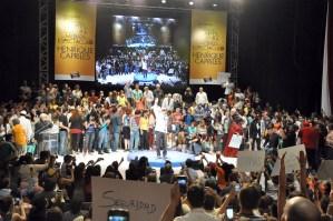 En FOTOS: El encuentro de los artistas con Capriles