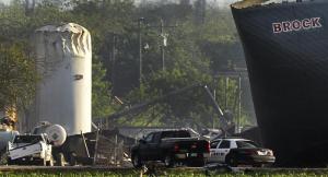 Se mantiene búsqueda de sobrevivientes tras explosión en Texas