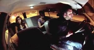Palo de susto se llevaron ellas dos con una cámara escondida (Video)