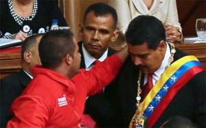 El espontáneo de Maduro también lo hizo con Alejandro Sanz (Video)